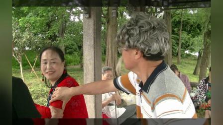 即兴小品《公园偶遇》李德芳吴健刘子剑