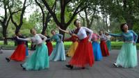 广场舞《我的家乡叫天堂》团队版 舞步整齐好看